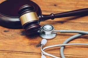 Florida Doctors Charged With Malpractice Still Treating Patients