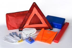 What You Should Have in Your Emergency Car Kit